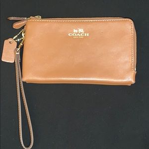Authentic Coach tan leather double wristlet EUC